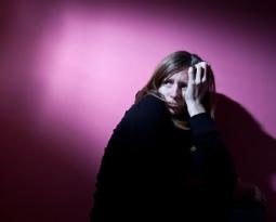 Cum să ne eliberăm de gândurile şi de emoţiile toxice pentru a putea comunica mai bine